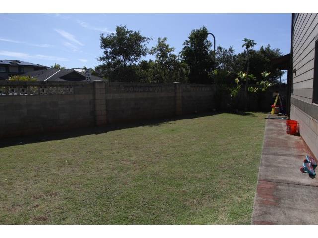 95-1033  Melekai St Mililani Mauka, Central home - photo 3 of 11