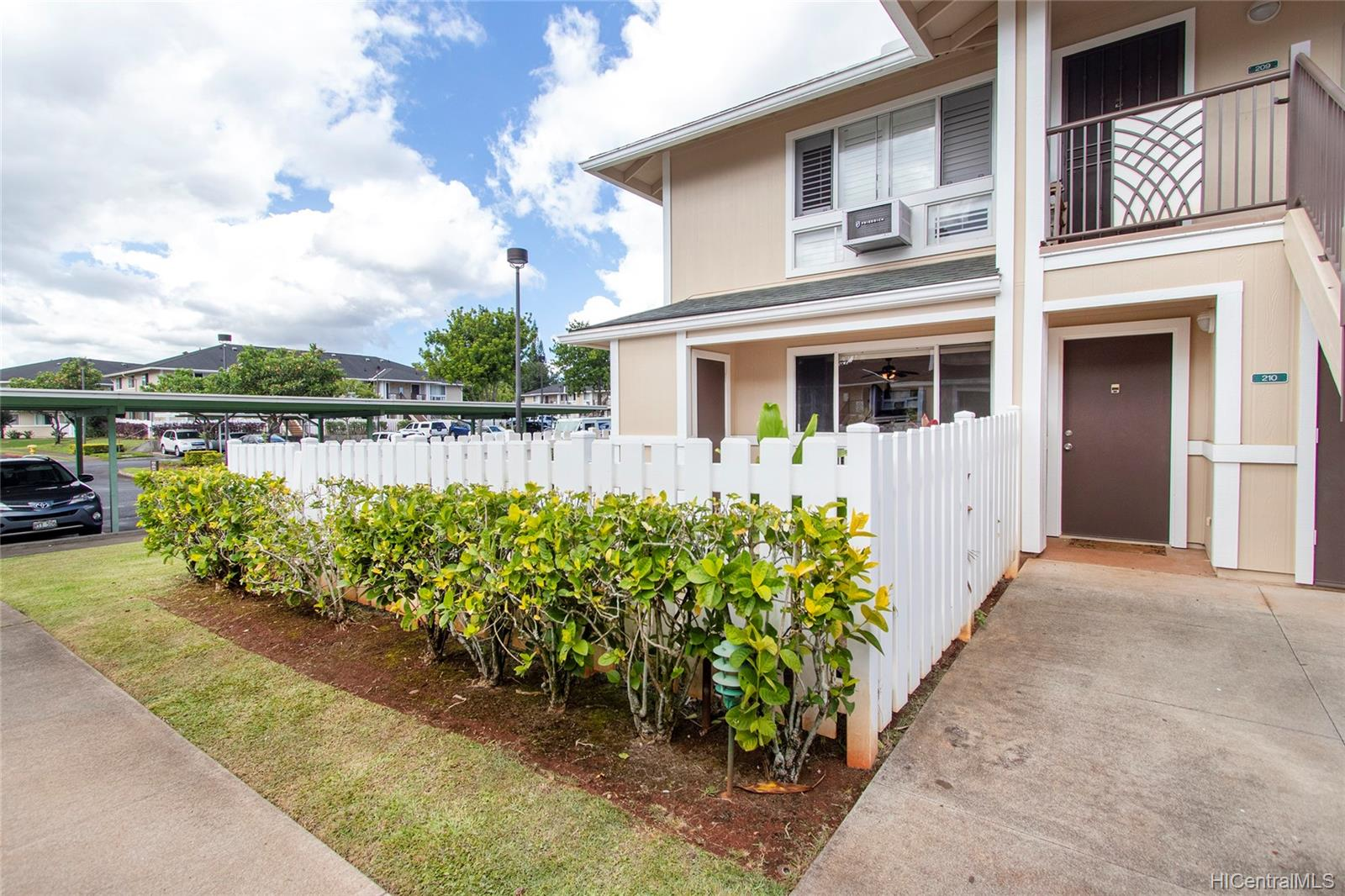 MTA townhouse # 210, Mililani, Hawaii - photo 2 of 25