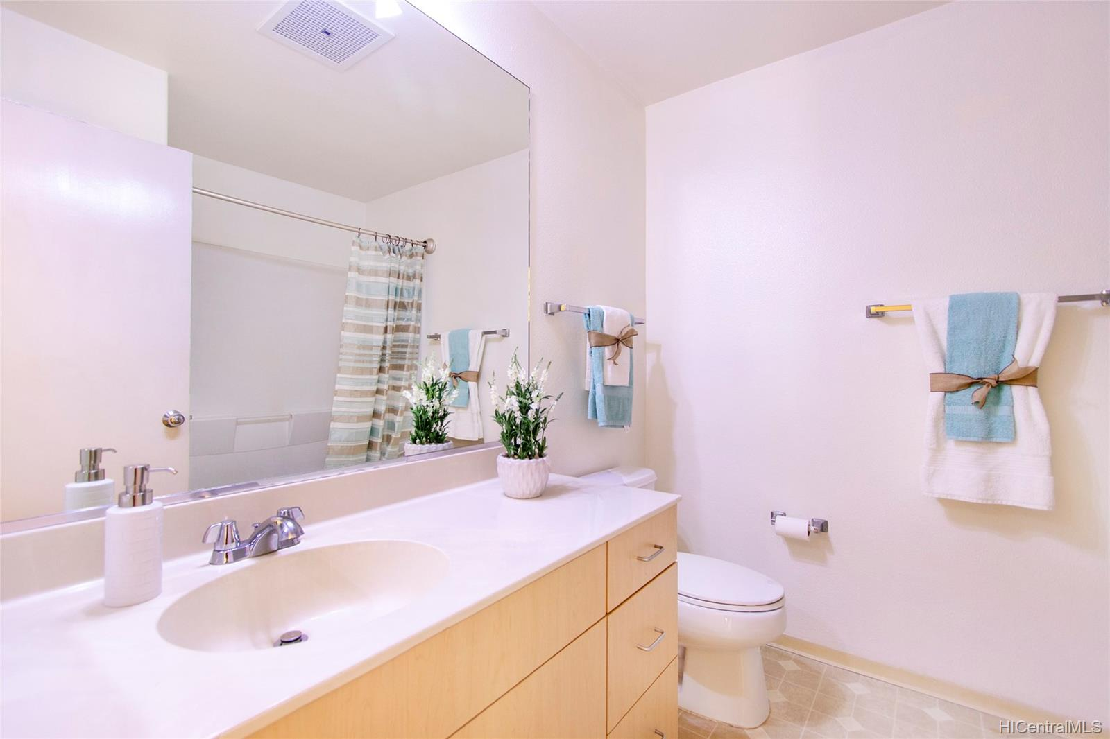 MTA townhouse # 210, Mililani, Hawaii - photo 21 of 25
