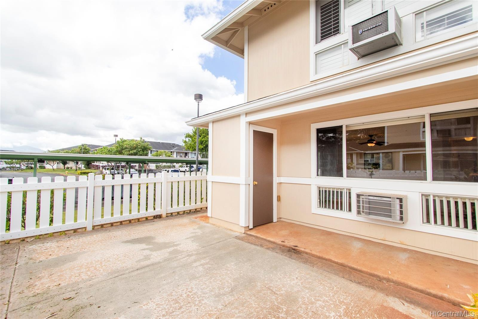 MTA townhouse # 210, Mililani, Hawaii - photo 4 of 25