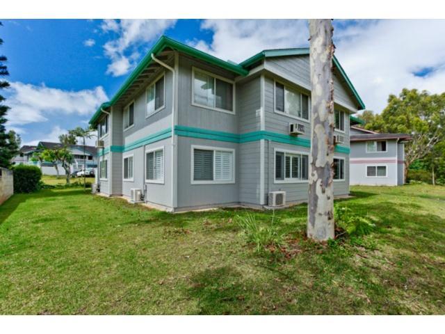 Mililani Town Association townhouse # 211, Mililani, Hawaii - photo 2 of 14