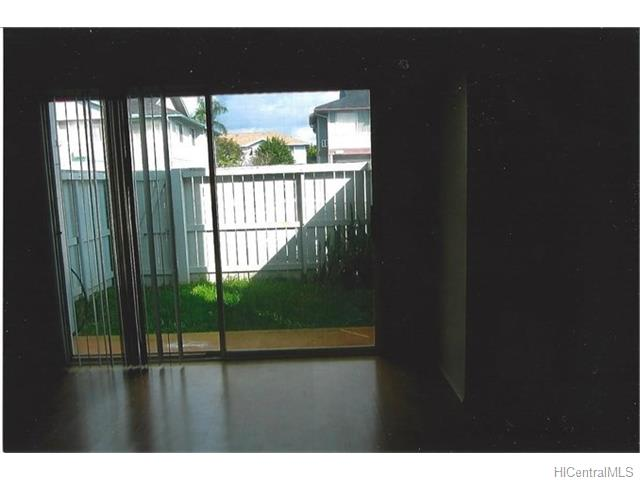 MTA townhouse # 45, Mililani, Hawaii - photo 3 of 9