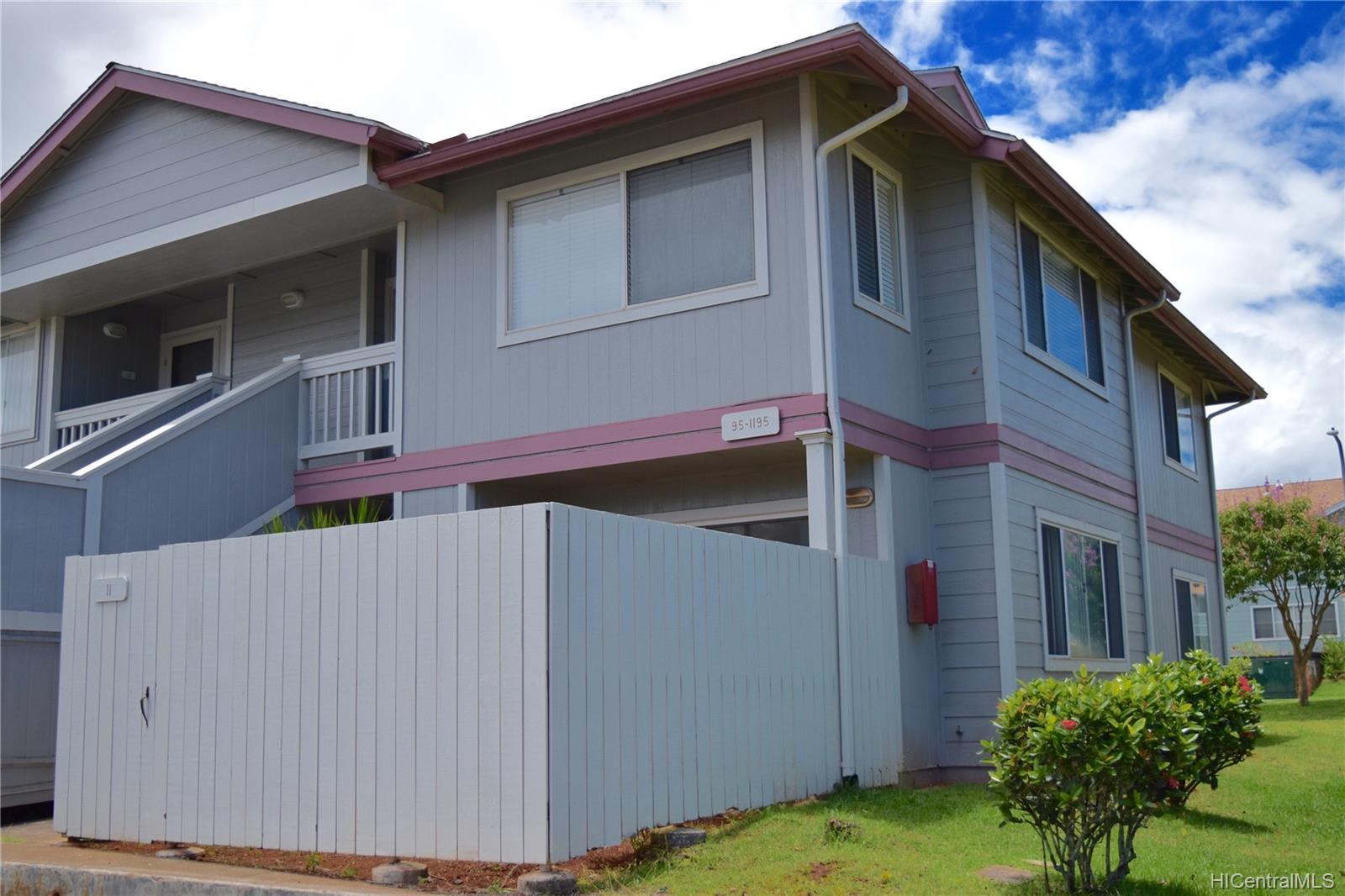 MTA townhouse # 11, Mililani, Hawaii - photo 1 of 10