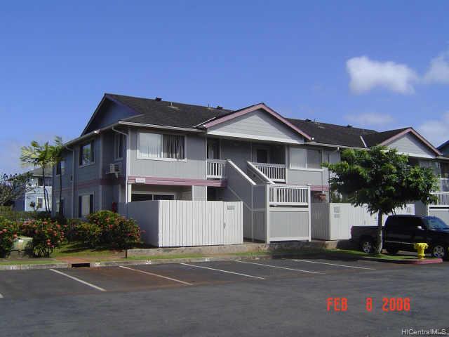 Mililani Town Assoc. townhouse # 5, Mililani, Hawaii - photo 1 of 8