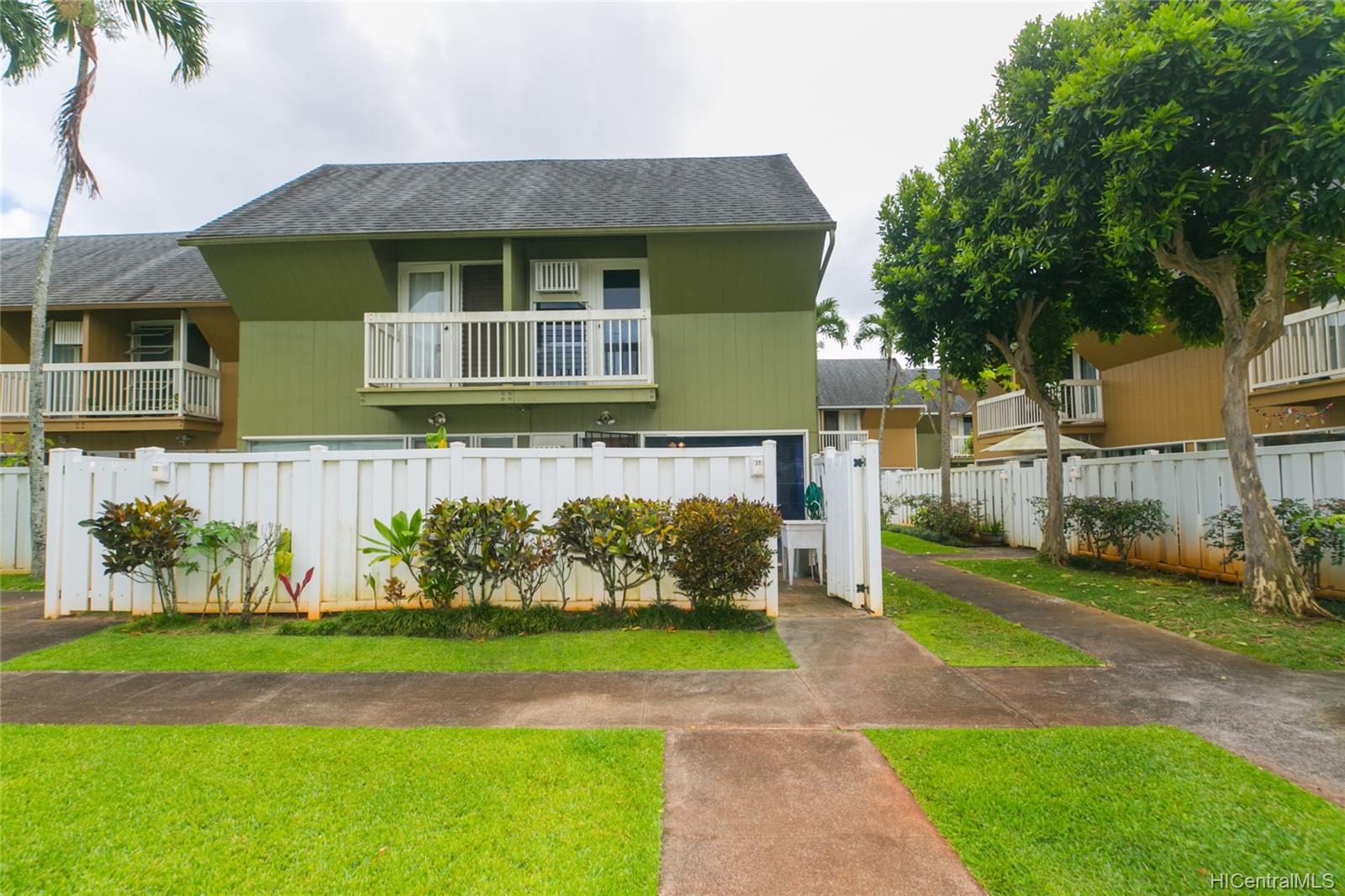 Mililani Town Association townhouse # 31, Mililani, Hawaii - photo 1 of 25