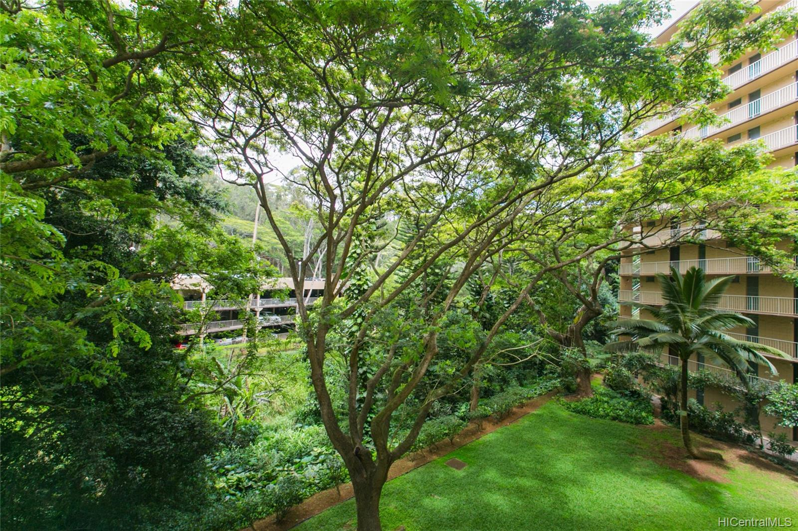 Waikalani Woodlands condo # D306, Mililani, Hawaii - photo 16 of 25