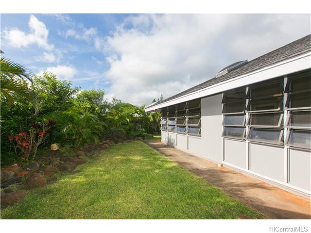 95-580  Kanamee St Mililani Area, Central home - photo 22 of 25