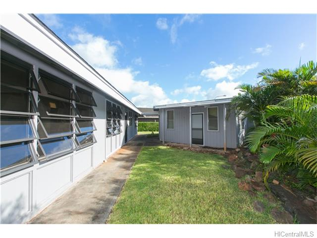 95-580  Kanamee St Mililani Area, Central home - photo 24 of 25