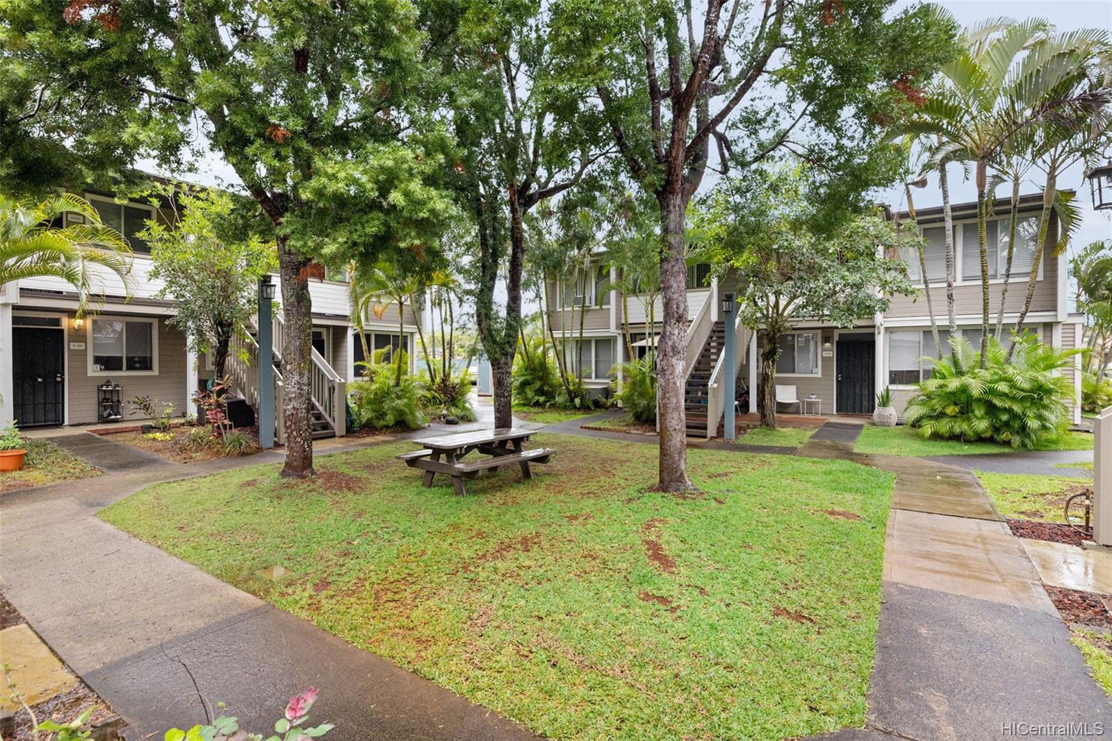 Mililani Town townhouse # H104, Mililani, Hawaii - photo 21 of 25
