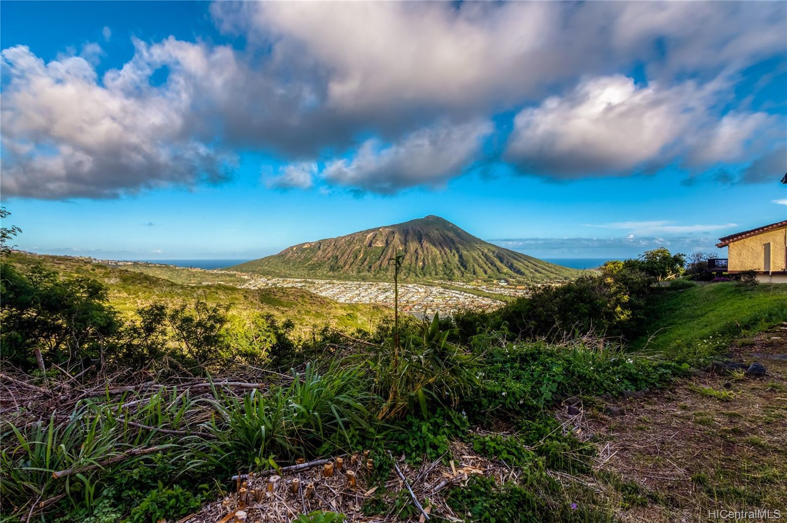 959  Kaluanui Road Mariners Ridge, Hawaii Kai home - photo 1 of 25