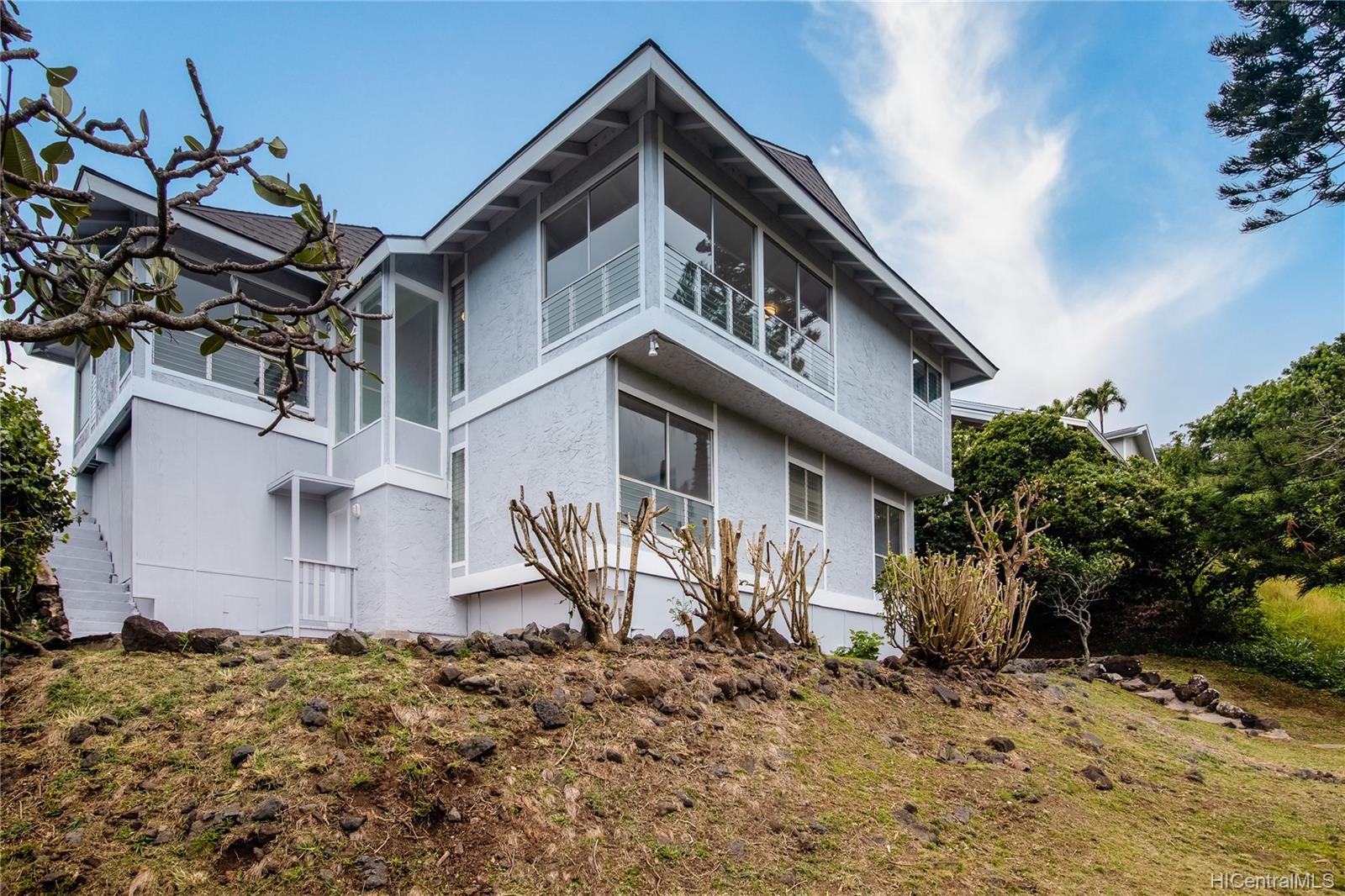 959  Kaluanui Road Mariners Ridge, Hawaii Kai home - photo 2 of 25