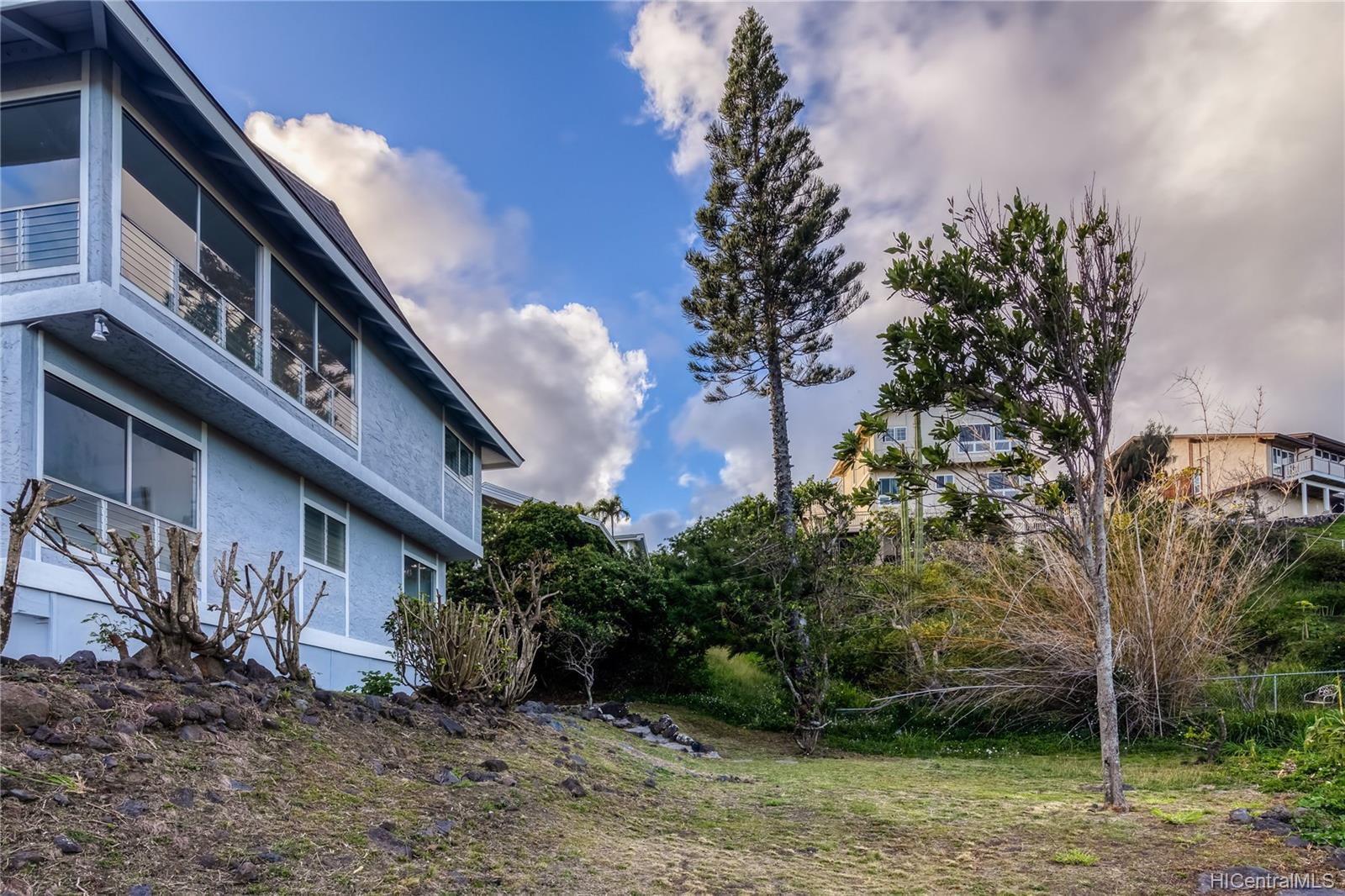959  Kaluanui Road Mariners Ridge, Hawaii Kai home - photo 7 of 25