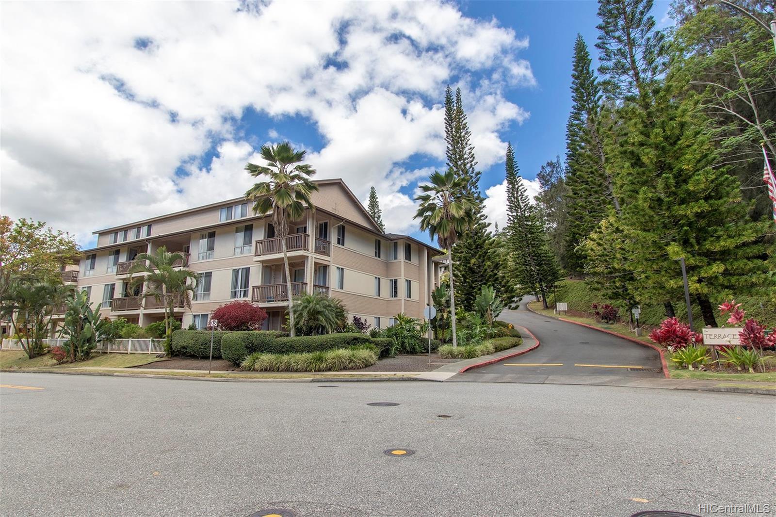 Launani Valley townhouse # A102, Mililani, Hawaii - photo 18 of 25