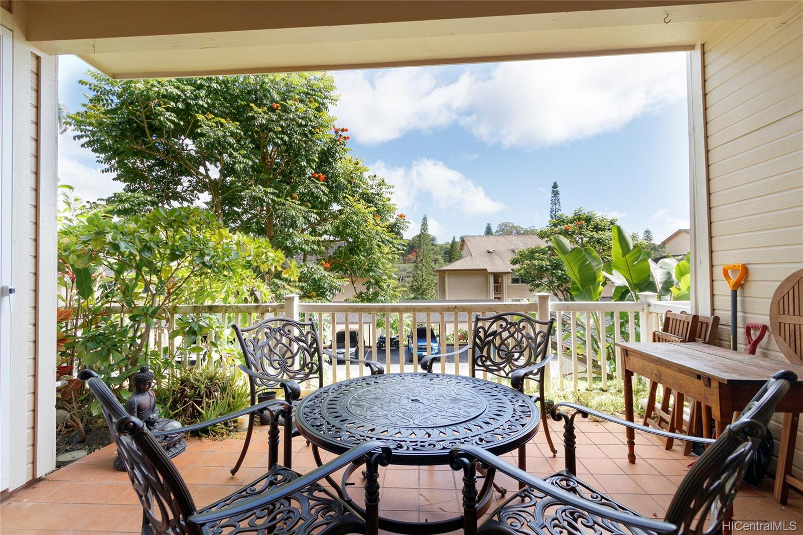 95-982 Wikao Street townhouse # L102, Mililani, Hawaii - photo 2 of 23