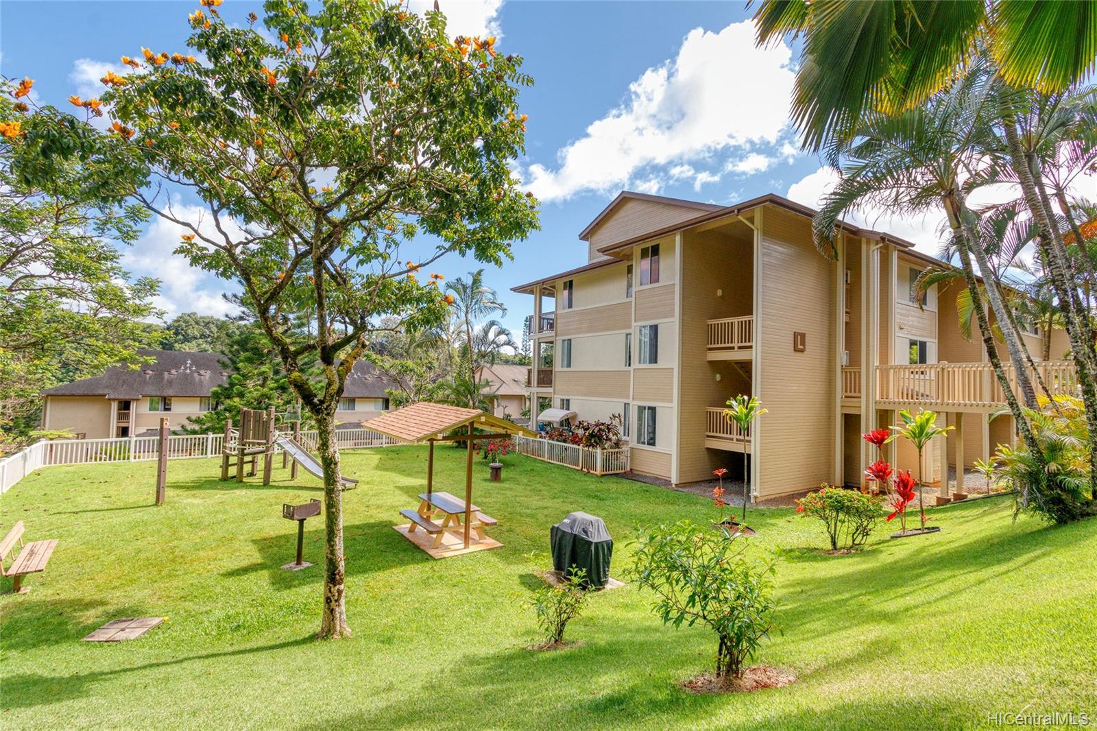 95-982 Wikao Street townhouse # L102, Mililani, Hawaii - photo 16 of 23
