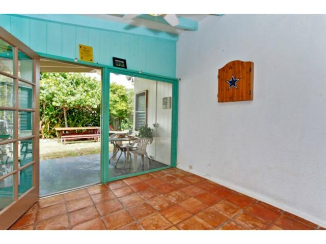965  N Kalaheo Ave Kalaheo Hillside, Kailua home - photo 2 of 12