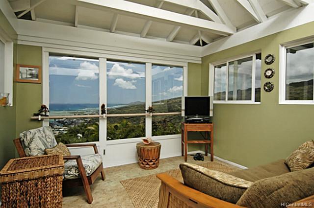 976  Kaahue St Mariners Ridge, Hawaii Kai home - photo 2 of 10