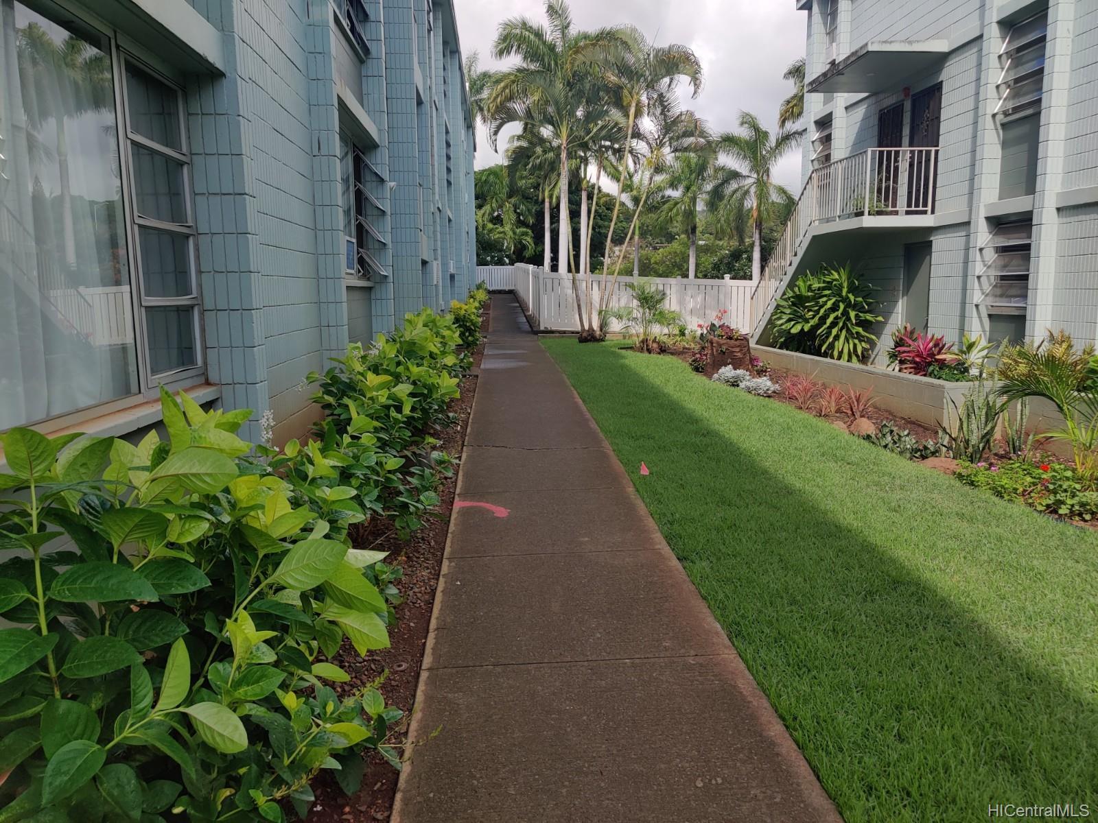 Pearl Ridge Gdns & Twr condo # 3-103, Aiea, Hawaii - photo 5 of 6