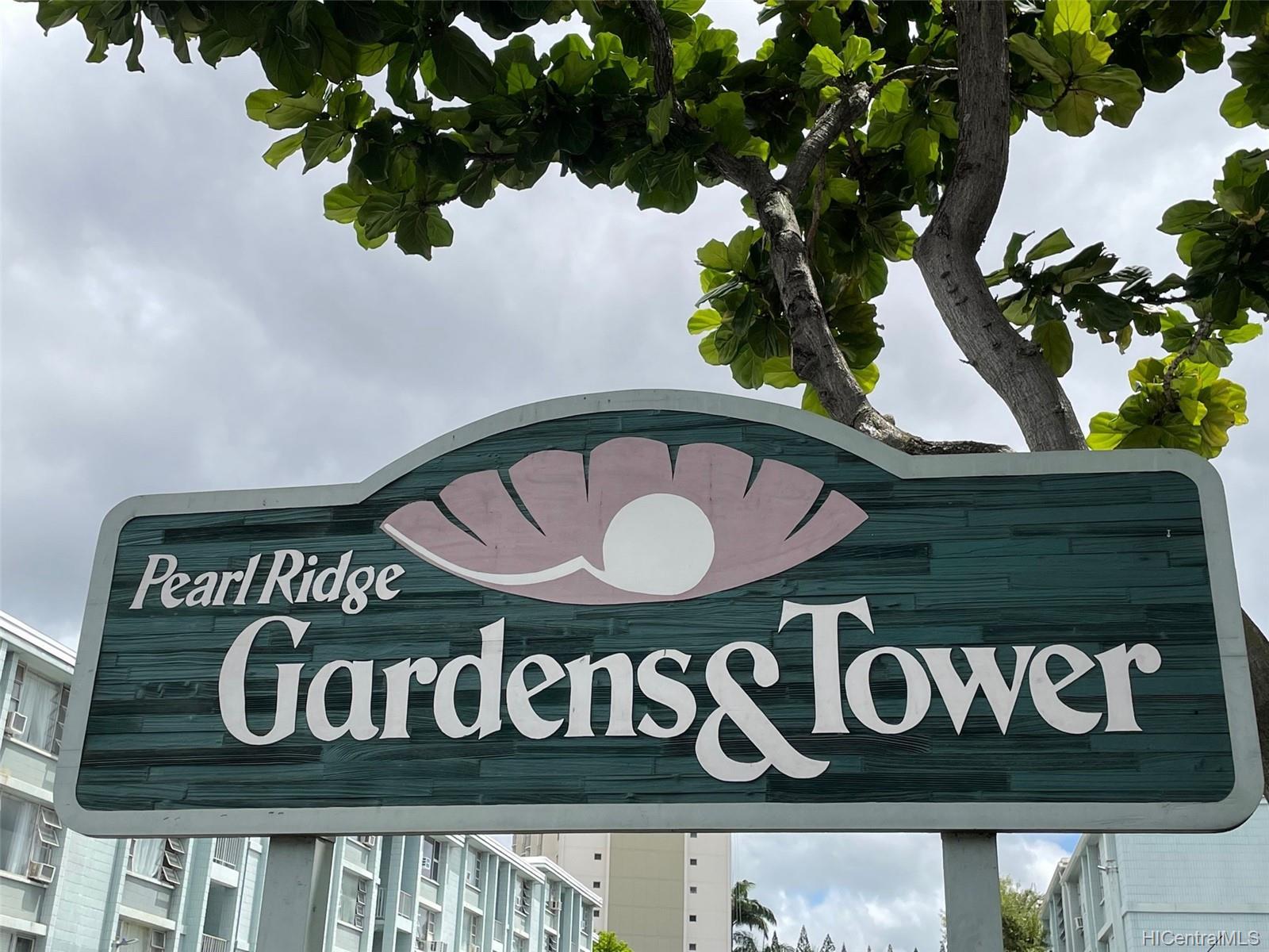 Pearl Ridge Gdns & Twr condo # 7-1007, Aiea, Hawaii - photo 2 of 20