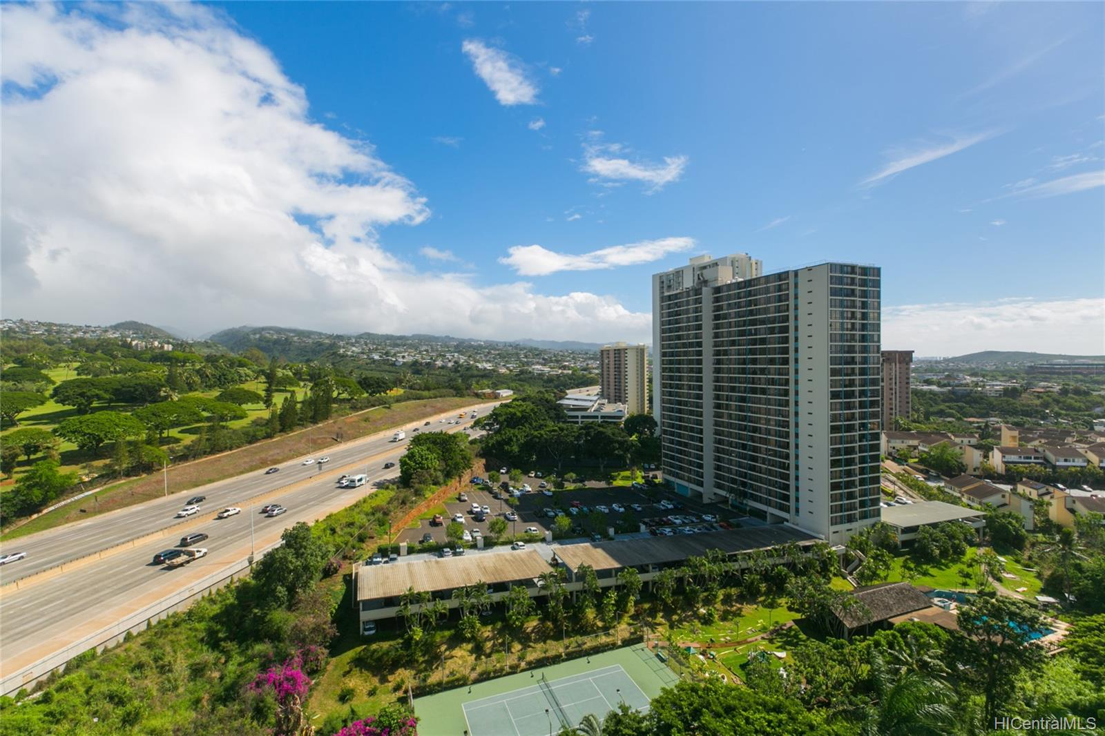Pearl Ridge Gdns & Twr condo # 7-1708, Aiea, Hawaii - photo 22 of 25