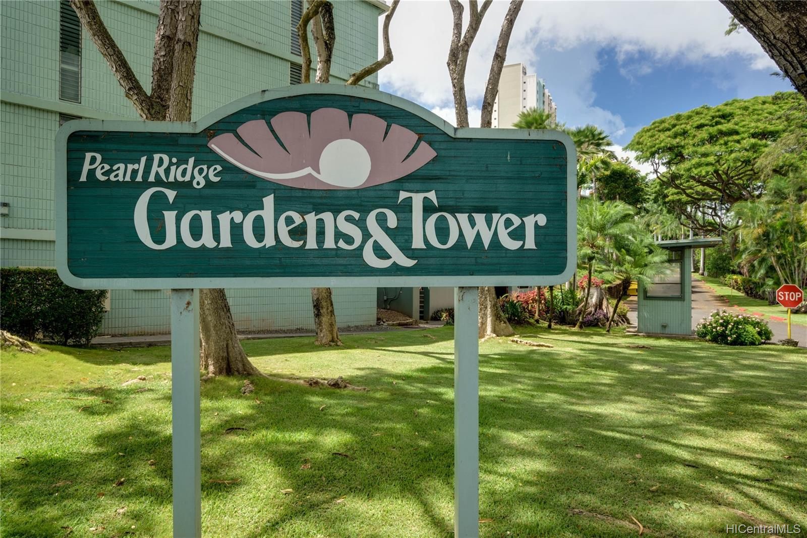 Pearl Ridge Gdns & Twr condo # 1-103, Aiea, Hawaii - photo 17 of 18