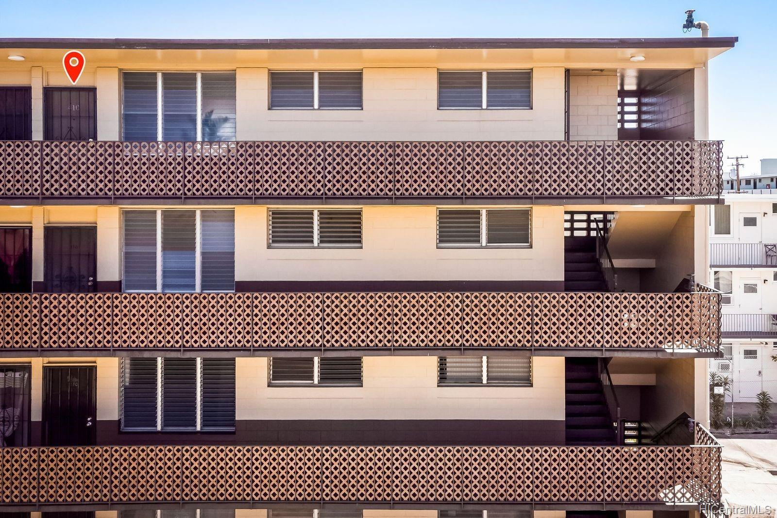 Pearl Manor Apts condo # 410, Aiea, Hawaii - photo 2 of 22