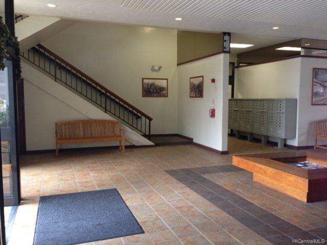 981247 Kaahumanu St Aiea Oahu commercial real estate photo4 of 11