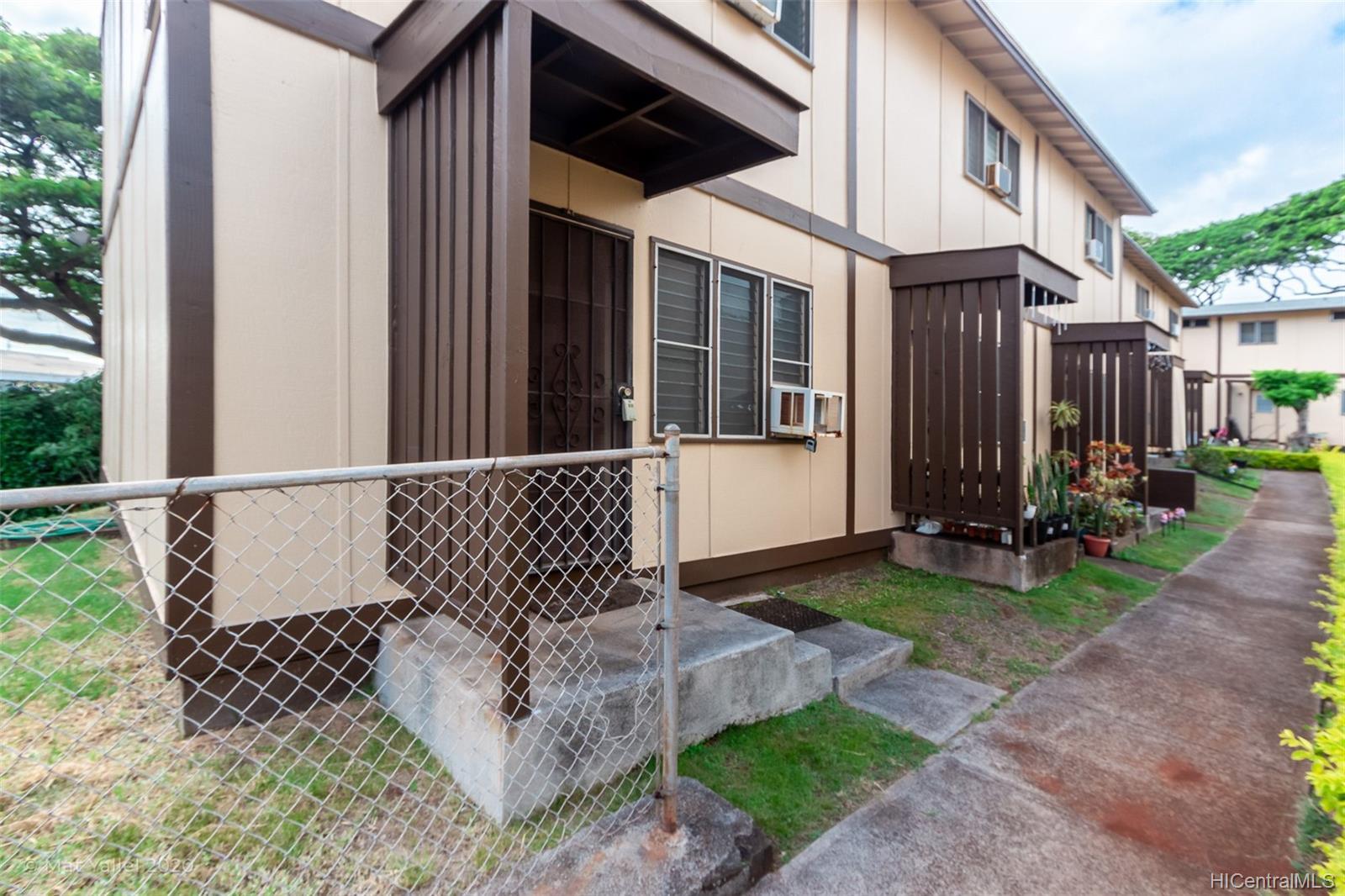 98-1269 A Hoohiki Place townhouse # 49, Pearl City, Hawaii - photo 3 of 25