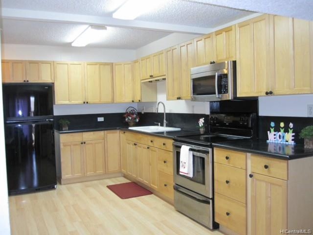 Hillside Terrace 4 condo #B, Aiea, Hawaii - photo 1 of 12