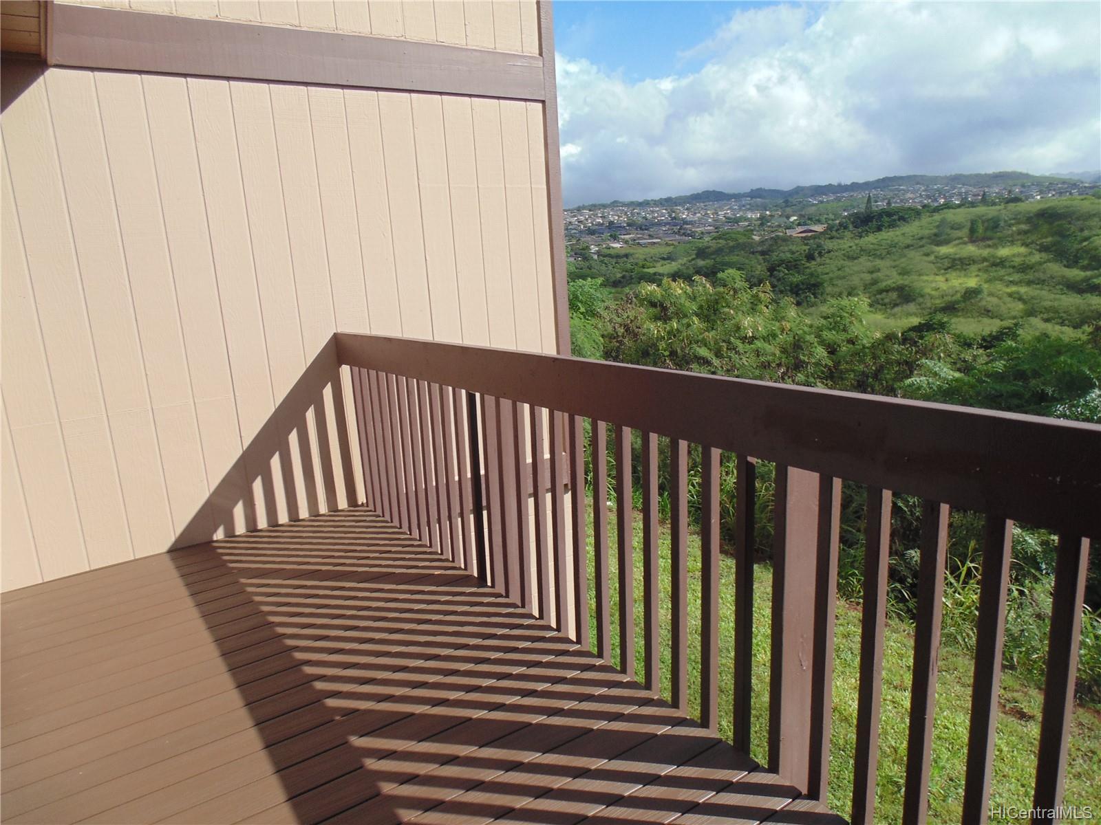 98-1429 Kaahumanu St Aiea - Rental - photo 11 of 13