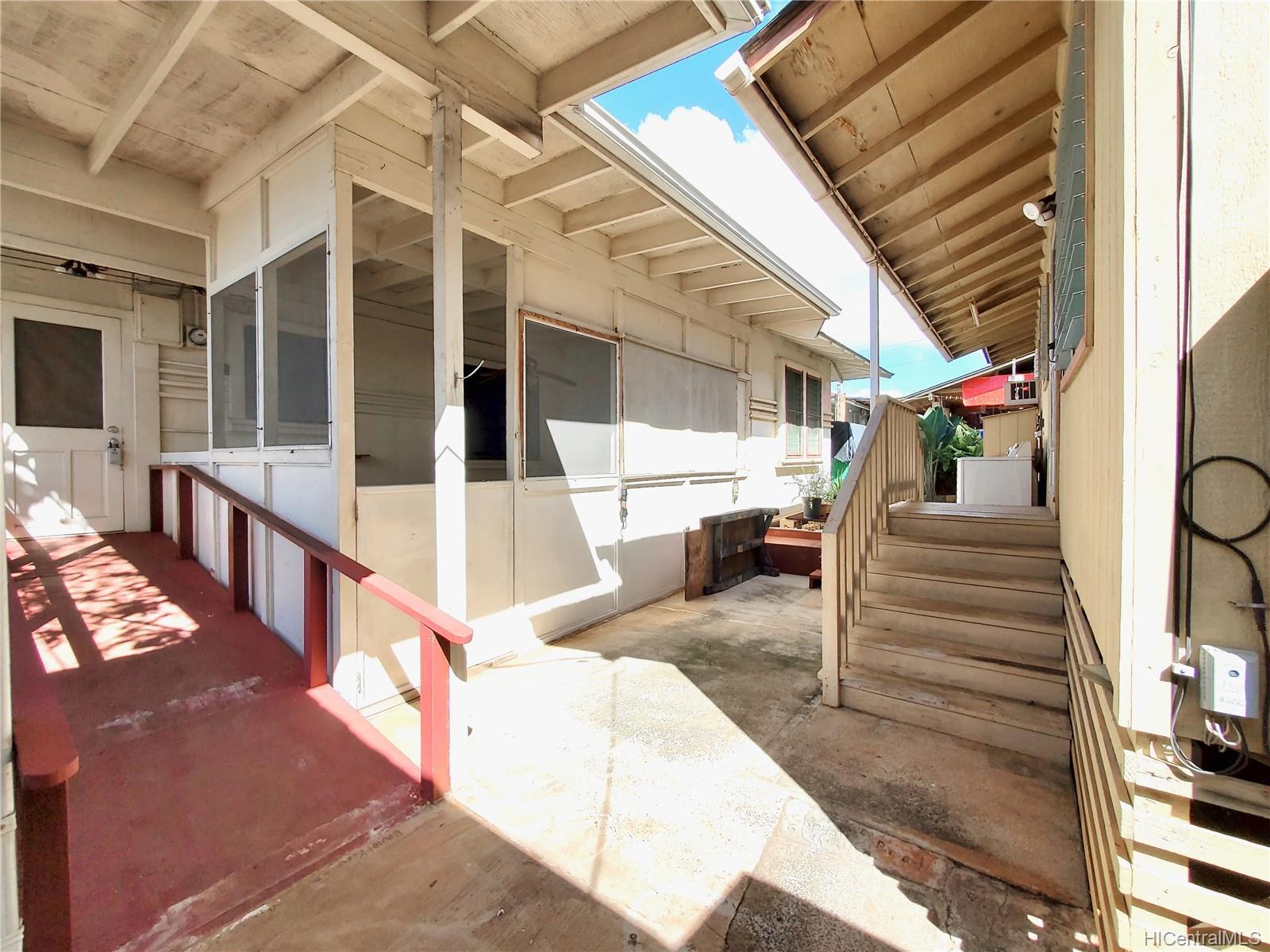 98-147  Honomanu Street Aiea Area, PearlCity home - photo 19 of 25