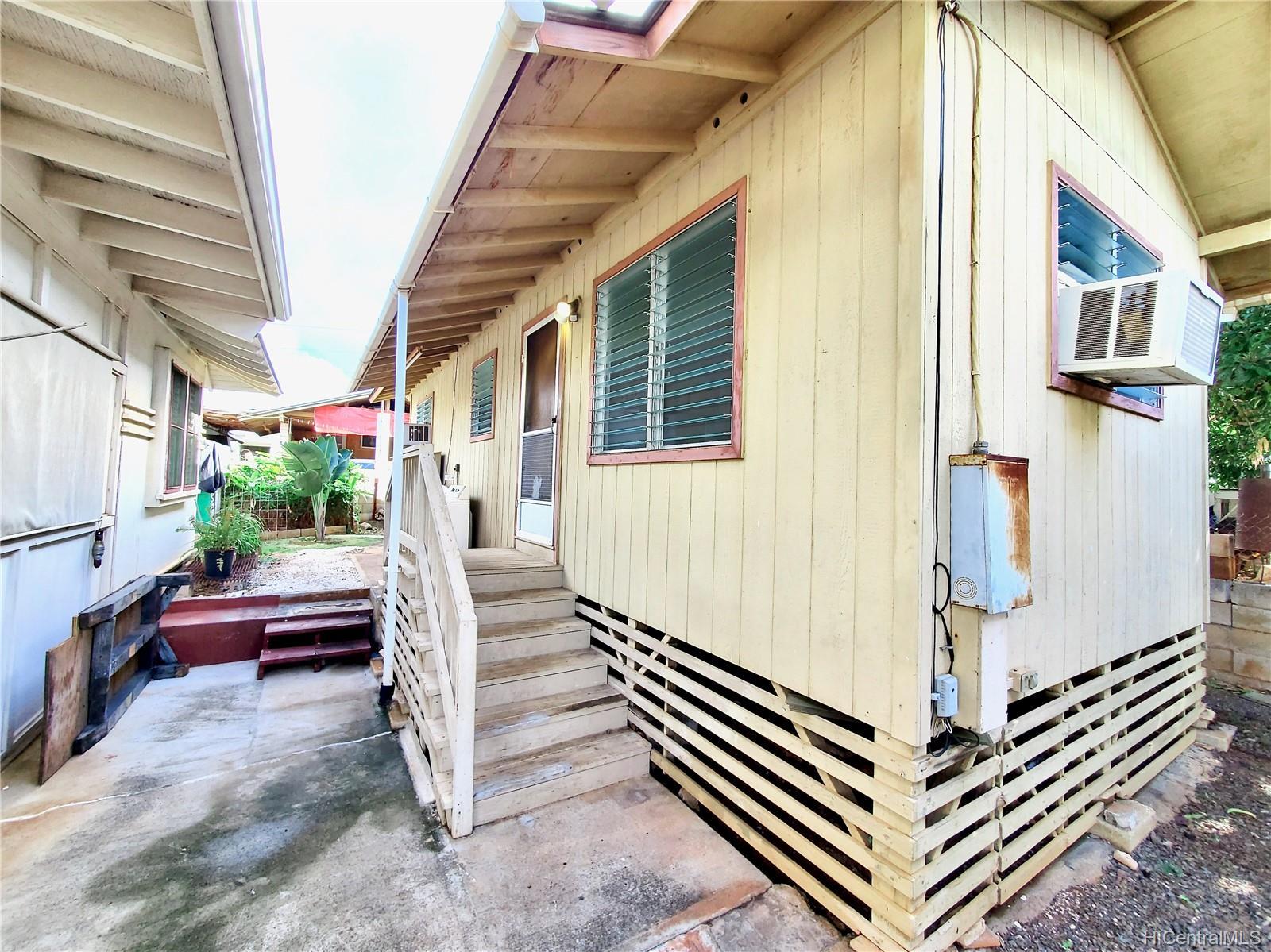 98-147  Honomanu Street Aiea Area, PearlCity home - photo 22 of 25