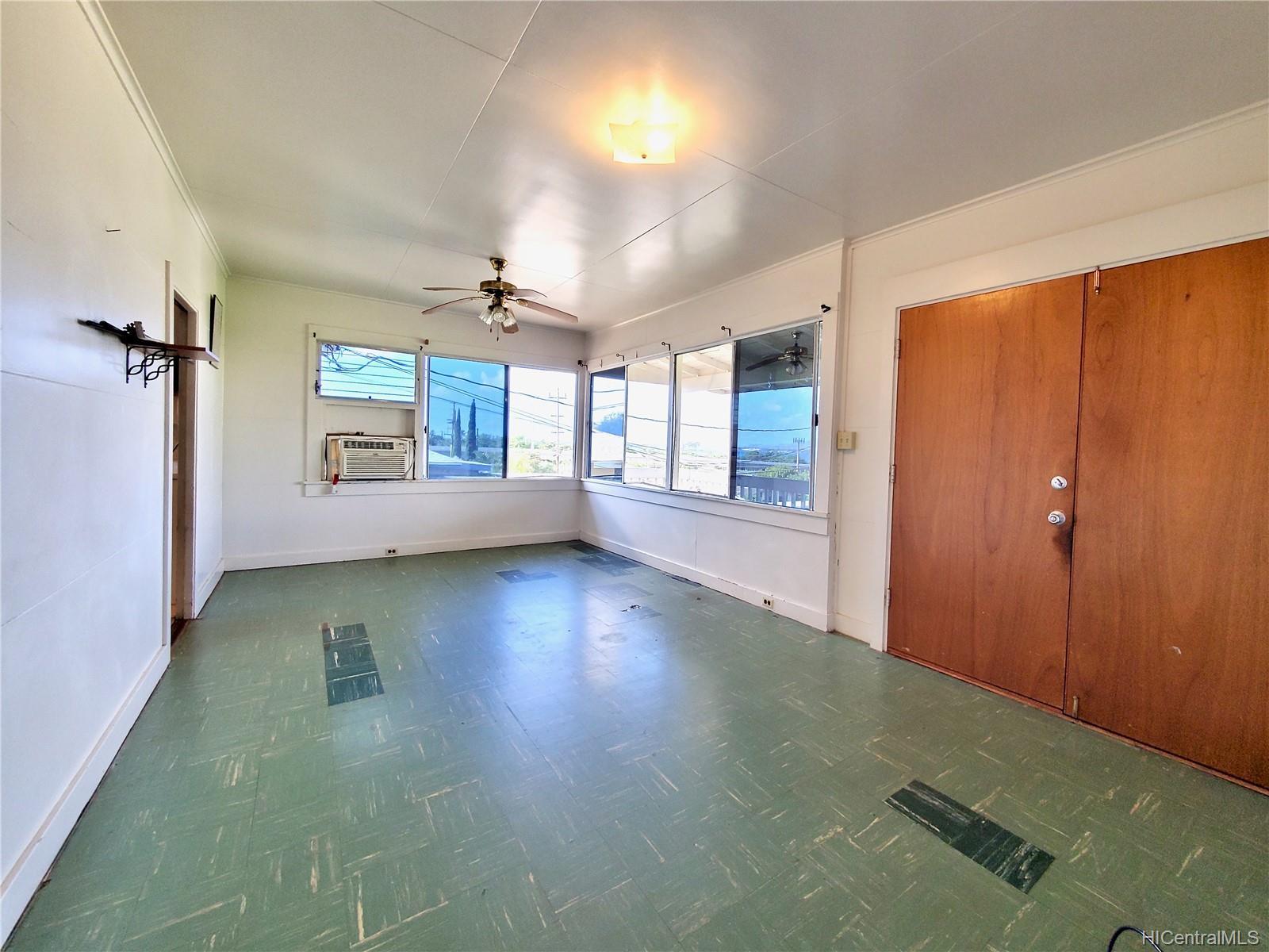 98-147  Honomanu Street Aiea Area, PearlCity home - photo 7 of 25