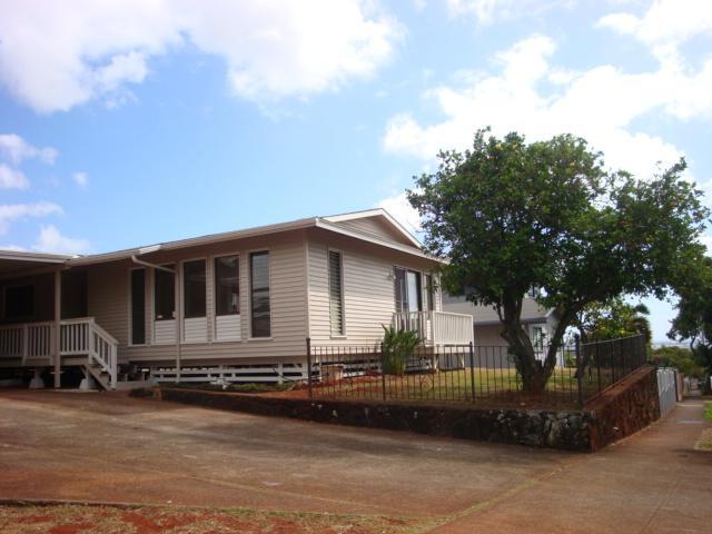 981631 Kaahumanu St Waiau, Aiea home - photo 1 of 19