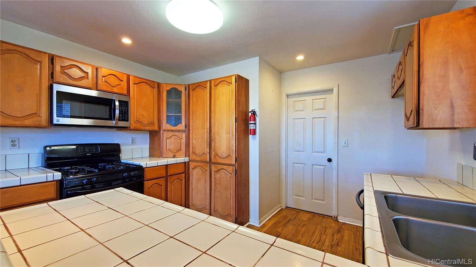 98-1810C  Kaahumanu Street Wailuna, PearlCity home - photo 3 of 21