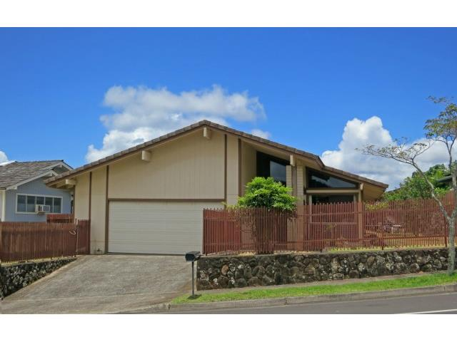 98-1812 Hapaki St Newtown, Aiea home - photo 1 of 15