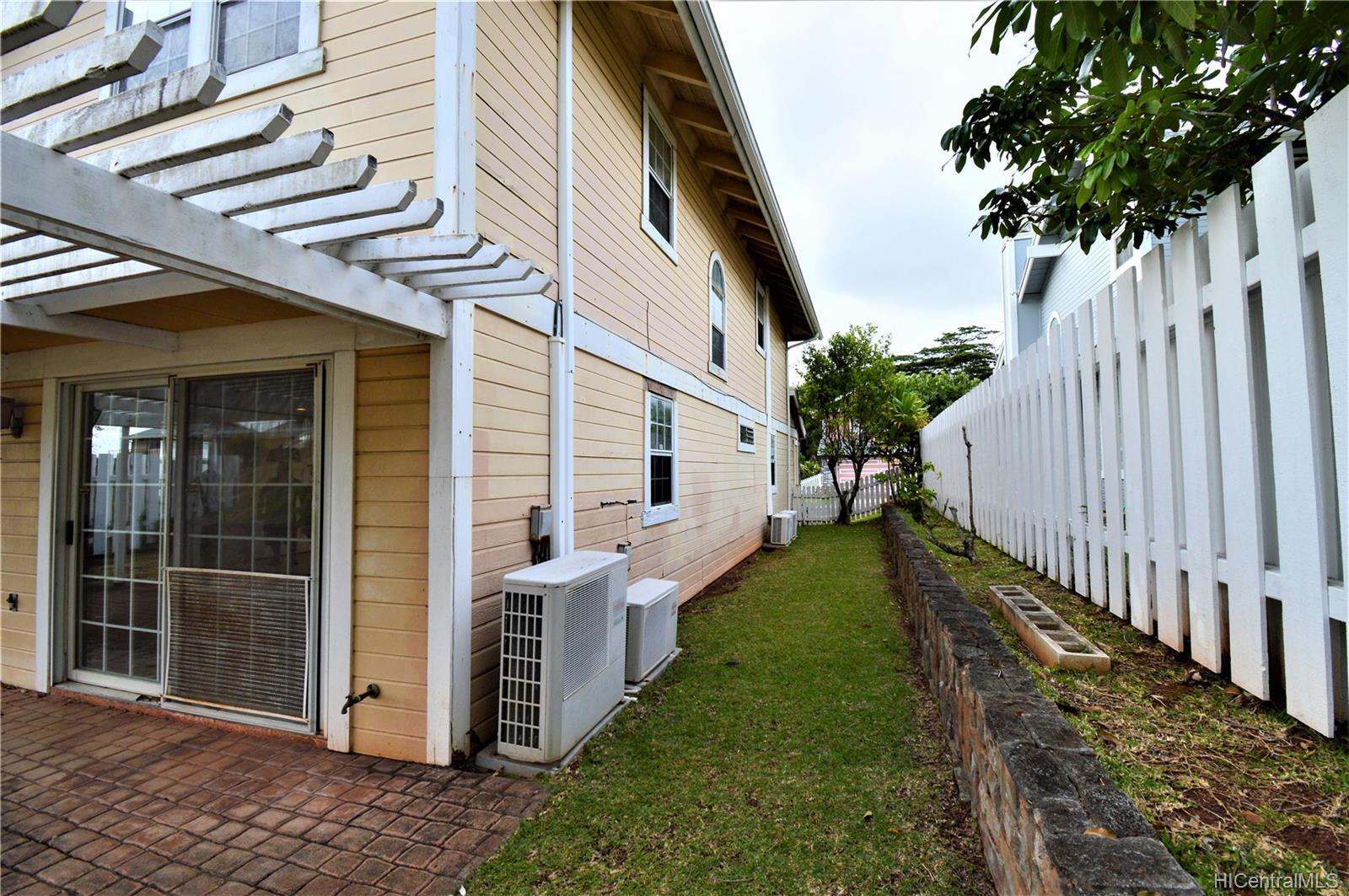 98-1870  Kaahumanu Street Wailuna, PearlCity home - photo 22 of 25