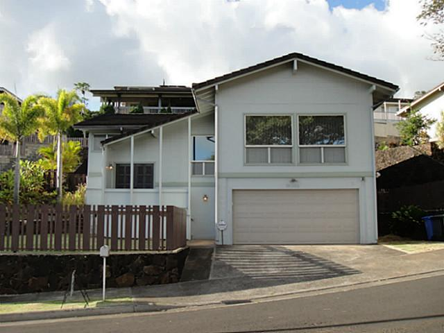 981952 Hapaki St Newtown, Aiea home - photo 1 of 16