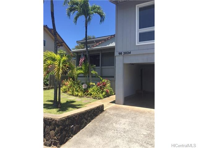 98-2024 Kikala St Newtown, Aiea home - photo 1 of 1