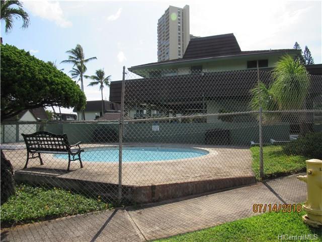 Pacific Village Annex condo #V5, Aiea, Hawaii - photo 1 of 11