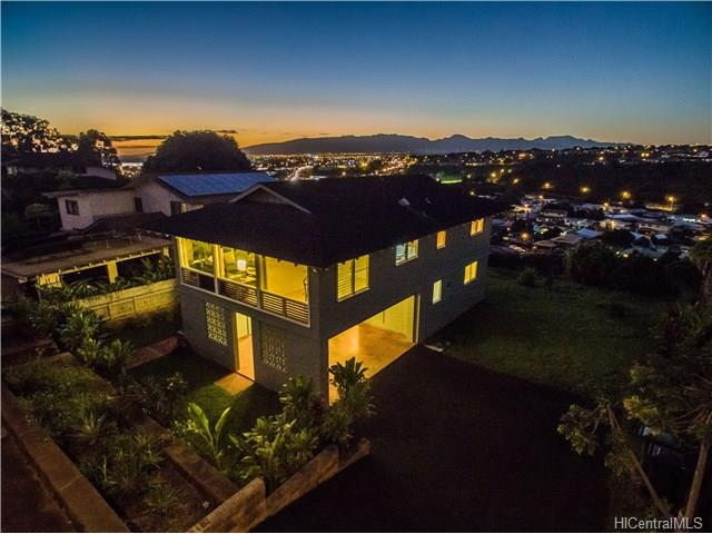 98-335 Puaalii St Pearlridge, Aiea home - photo 1 of 17