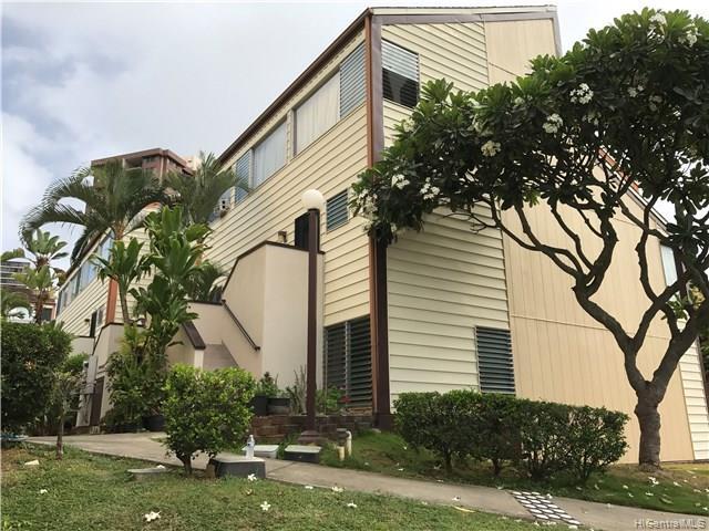 Bougainville condo #109, Aiea, Hawaii - photo 1 of 11