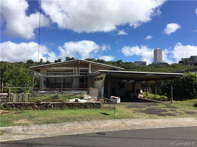 98-365  Ponokiwila St Waimalu, Aiea home - photo 1 of 6