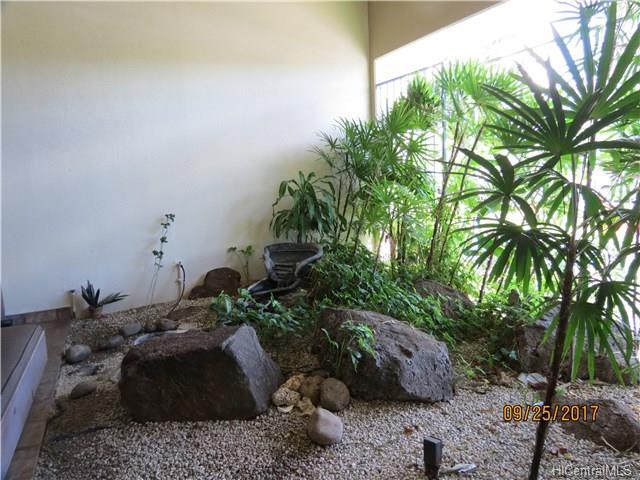 Pearl Regency condo #1410, Aiea, Hawaii - photo 1 of 7