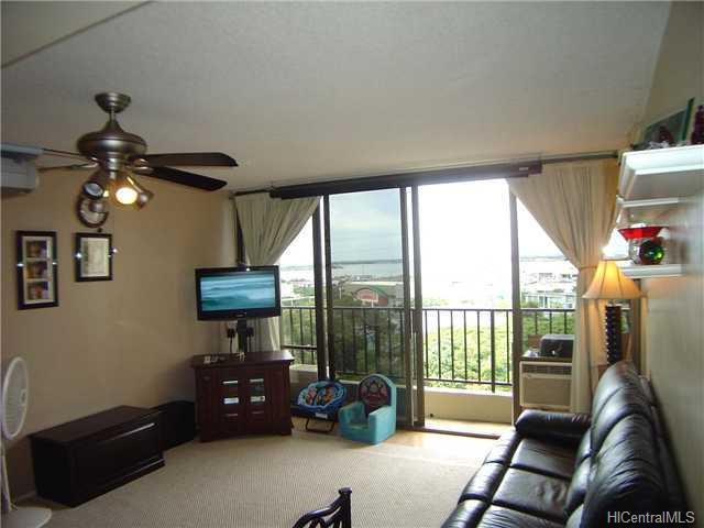 Pearl Regency condo #702, Aiea, Hawaii - photo 1 of 10