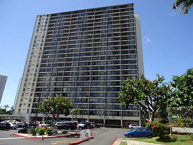 Pearl Regency condo #711, Aiea, Hawaii - photo 1 of 10