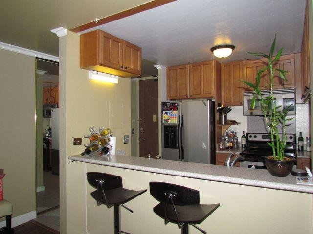 Pearl 2 condo #2K, Aiea, Hawaii - photo 1 of 16