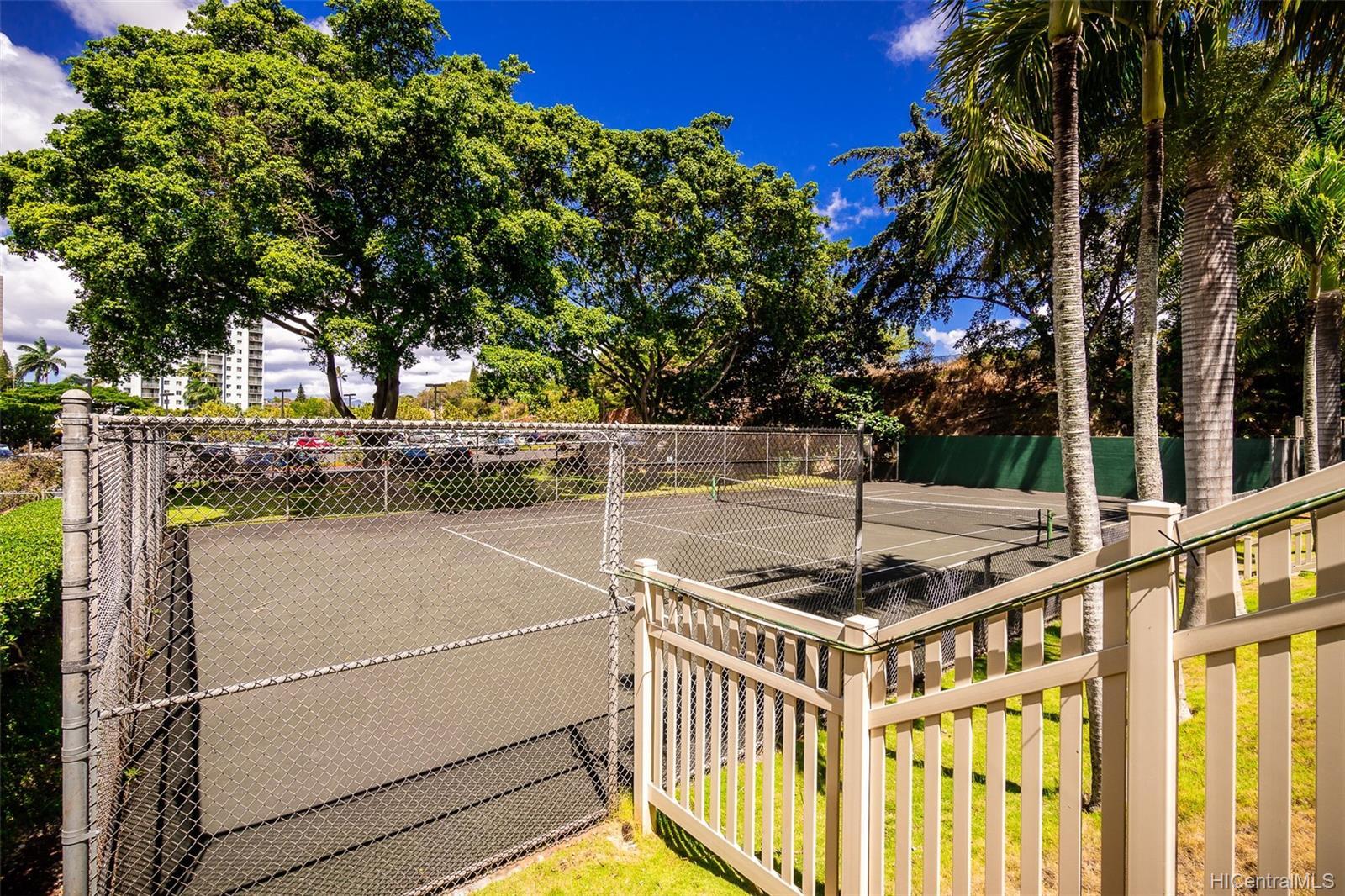 Pearl 2 condo # 1K, Aiea, Hawaii - photo 18 of 23