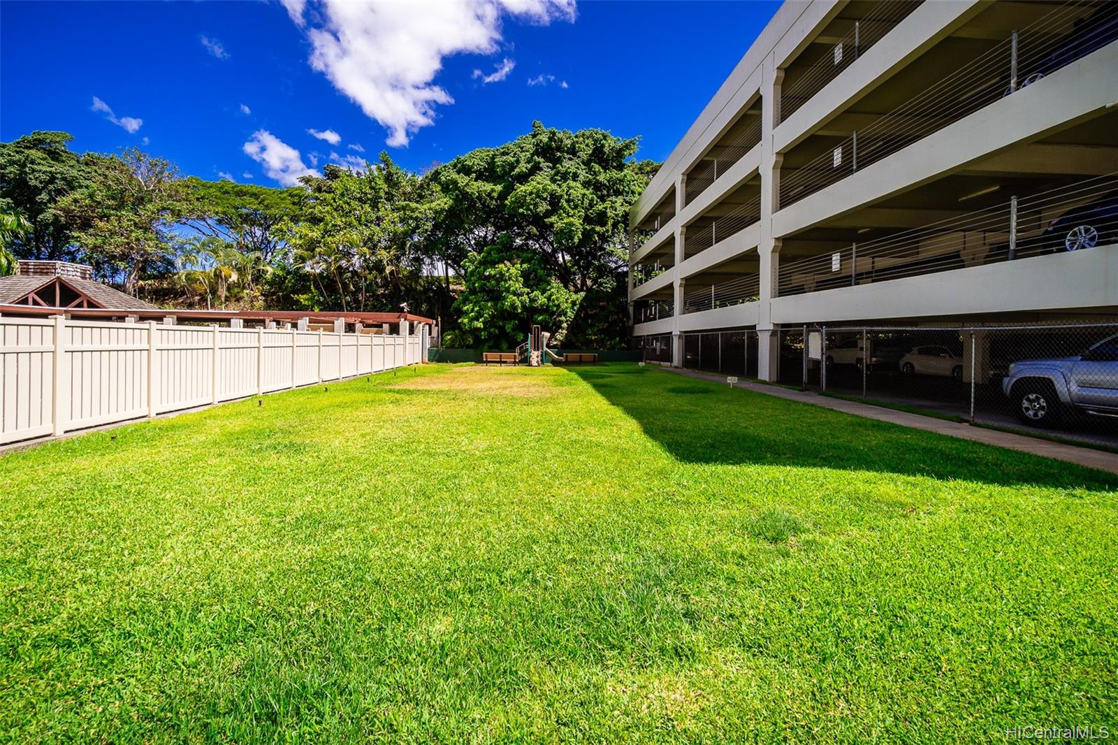 Pearl 2 condo # 1K, Aiea, Hawaii - photo 20 of 23