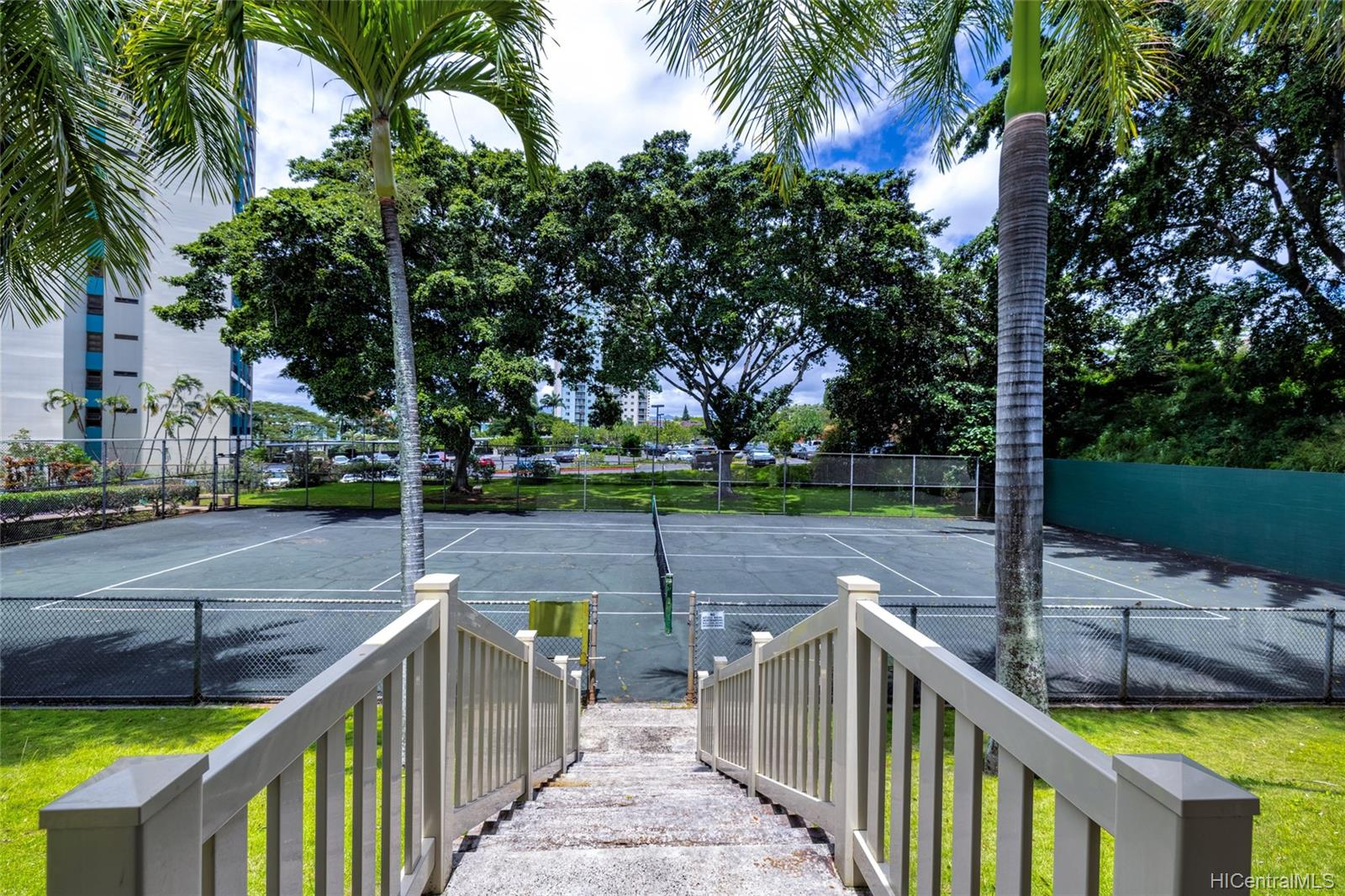 Pearl 2 condo # 3G, Aiea, Hawaii - photo 15 of 17